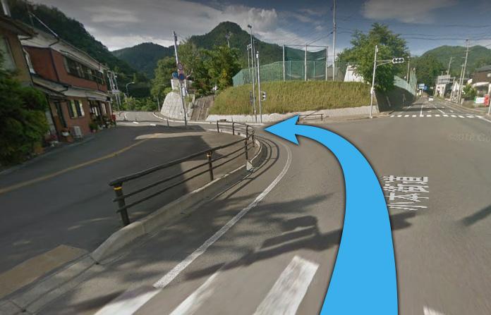 ⑤約5分走って、左側に龍泉洞の入口が見えます!いらっしゃいませ!